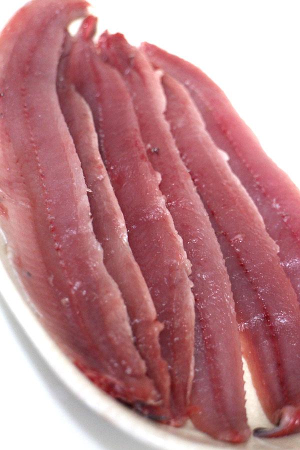 イキのいいサンマで作る刺身